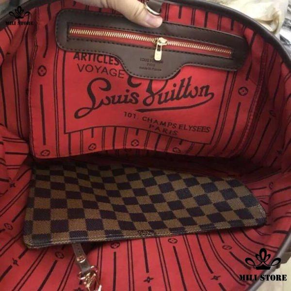 Bên trong túi Louis Vuitton Neverfull MM Monogram lót đỏ