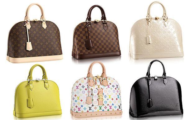 Bạn có thể đựng gì trong một chiếc túi xách nữ Louis Vuitton Alma PM