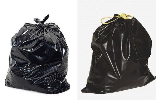 Nhiều tín đồ thời trang cho rằng chiếc túi dây rút của hãng BIIS có giá 350 Euro (khoảng 10 triệu đồng) nhưng nhìn giống như túi nilon đựng rác. (Nguồn: SGCT)