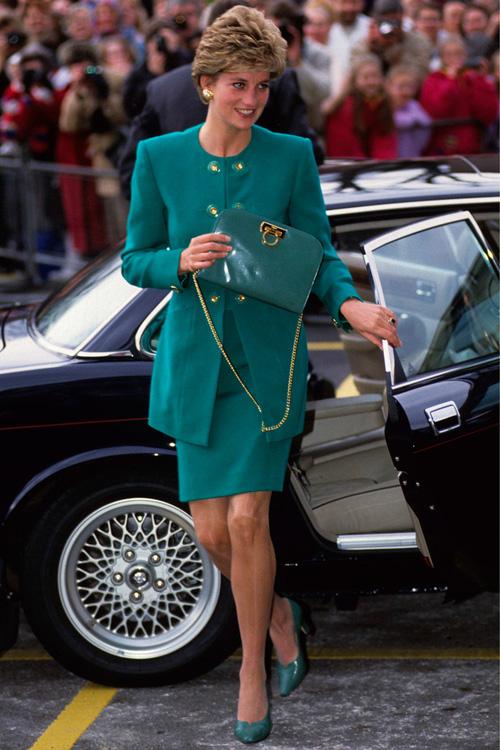 Công nương Diana: fashion icon hoàng phái  độc nhất  chiếm hữu  đến 2 mẫu túi đình đám được đặt theo tên mình-1