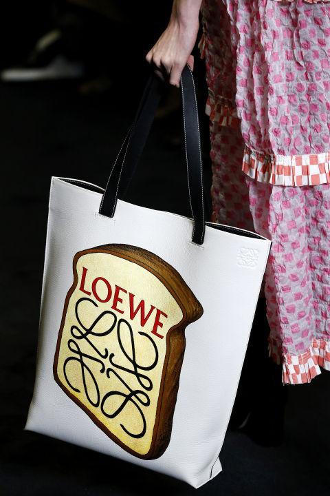 Những mẫu túi xách sành điệu của năm 2017