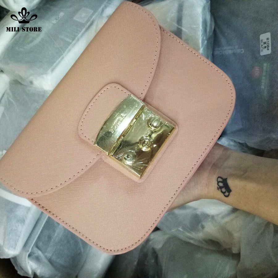 túi xách nữ màu hồng bắt mắt