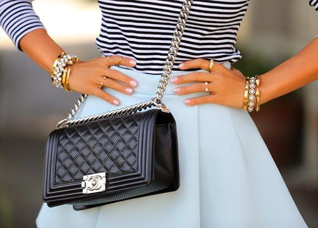 Túi xách nữ Chanel Boy và những cách kết hợp trang phục cực đơn giản