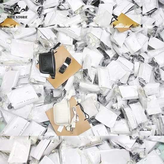 Túi bao tử charles & keith Full Box có hộp giấy