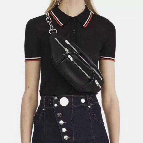 Túi đeo trước ngực màu đen khóa bạc dây xích bạc da bóng trơn