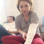 Thiếu nữ bị rạch túi xách, cắt đứt 4 gân tay