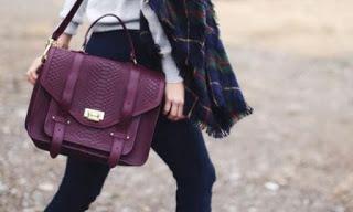 Chọn túi xách phù hợp với phong cách %%
