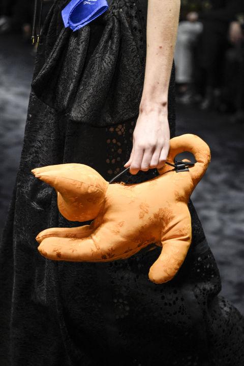 Loewe và mẫu túi lạ mắt hình thú nhồi bông