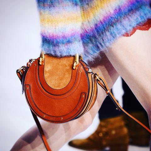 Túi màu cam đất - màu đã thành thương hiệu của Chloe