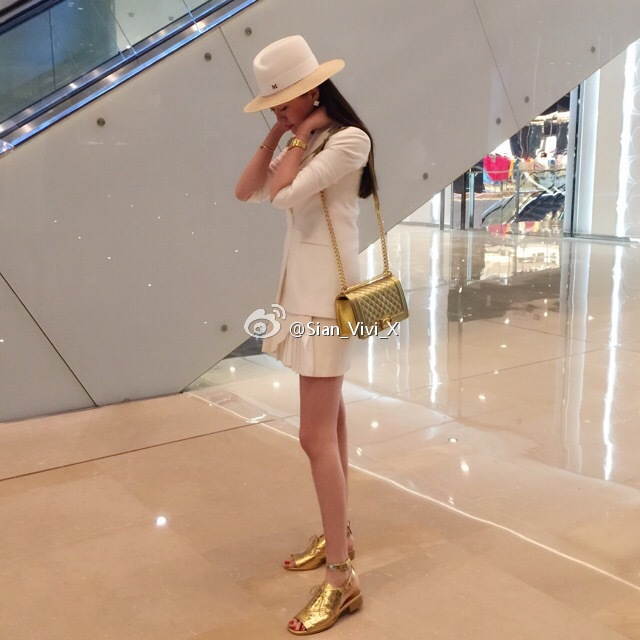 Cuộc sống lãng phí  của kiều nữ nhà giàu Trung Quốc - 12