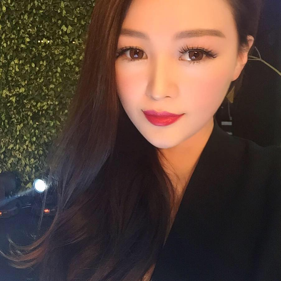 Cuộc sống lãng phí  của kiều nữ nhà giàu Trung Quốc - 2