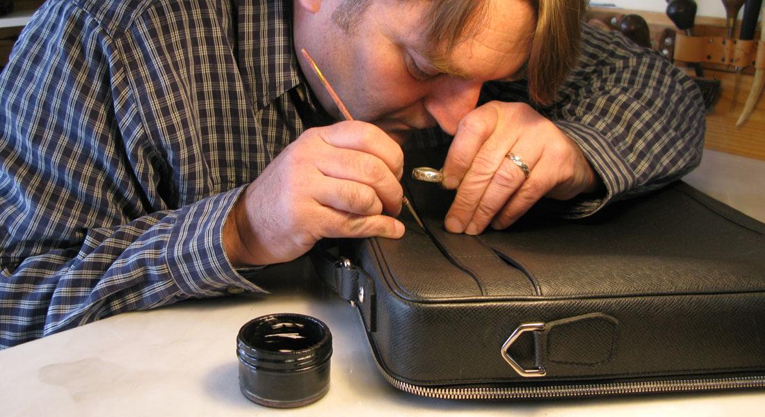 Sửa chữa thay thế linh kiện túi xách Louis Vuitton tại HCM