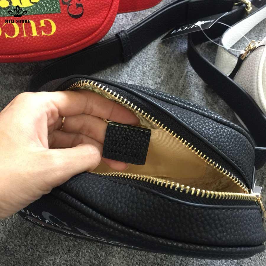 Bên trong túi màu đen đeo hông, đeo bụng hiệu Gucci cho giới nữ