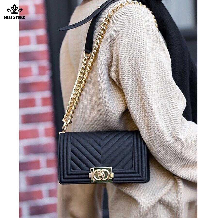 Túi xách Chanel nhựa, Chanel Silicon màu đen dây da pha xích