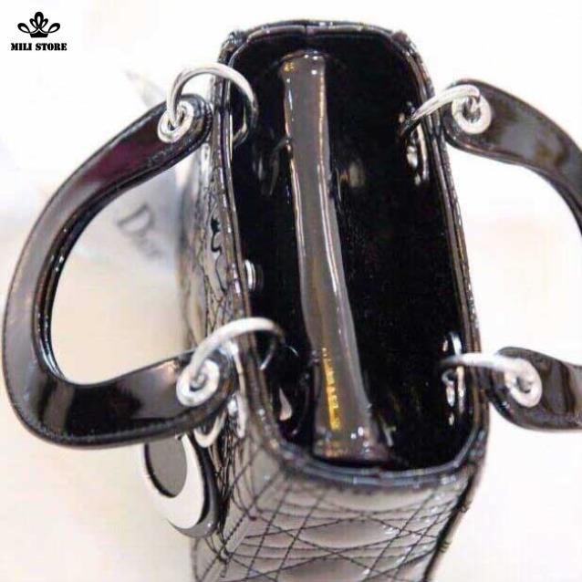 Cận cảnh túi xách Dior đen Super da bóng Full Box có hộp