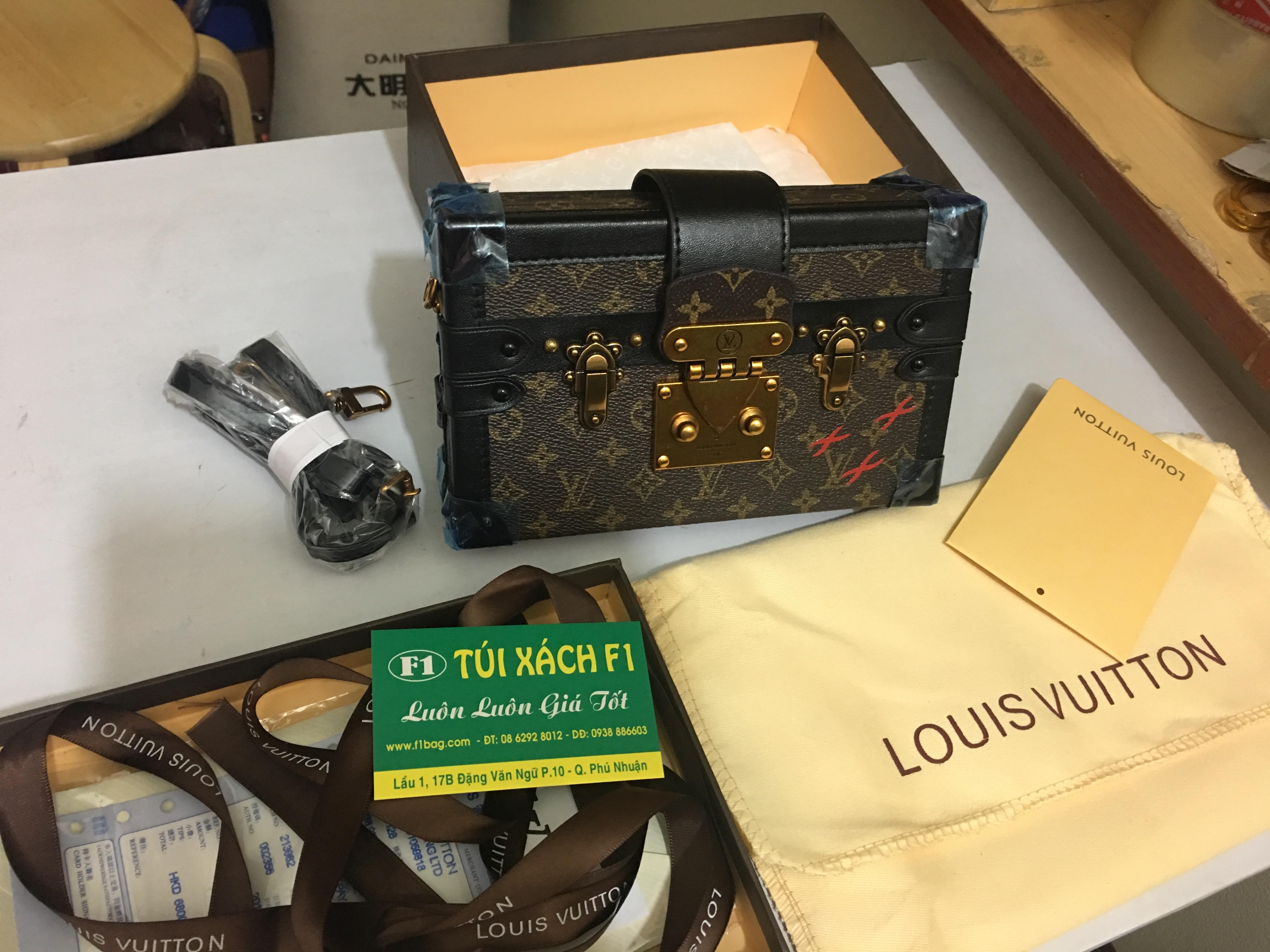 Túi xách Louis Vuitton Petite