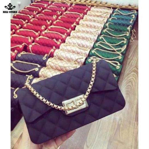 Túi Chanel nhựa màu đen Silicon